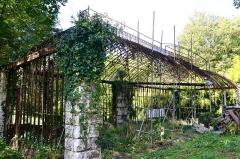 Domaine de Valmate - Français:   Château de Valmate: ancienne serre.