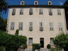 Maison du peintre Fragonard ou Villa Fragonard - Français:   Villa Fragonard (vue de face depuis le jardin)