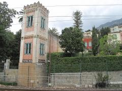 Jardin des Romanciers ou Fontana Rosa - English: Tower of the gardent of Fontana Rosa in Menton (Alpes-Maritimes, France).