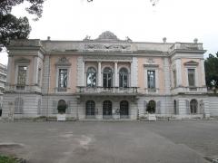 Propriété dite Le Palais Carnoles - English: The Palais Carnolès in Menton (Alpes-Maritimes, France). Seen from North-East side.