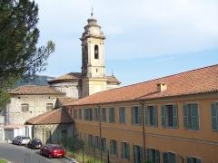 Ancienne abbaye de Saint-Pons, actuellement hôpital Pasteur - Français:   Façade occidentale de l\'église abbatiale et flanc nord de l\'abbaye de \