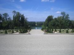Château de la Motte-Tilly -  Château de La Motte-Tilly (Champagne-Ardenne) — Parc à la française avec le canal - côté Nord.
