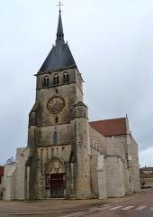Eglise Saint-Pierre -  Église Saint-Pierre-es-Liens de Mussy-sur-Seine (Aube). Façade après la restauration de 2015.