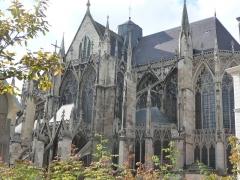 Eglise Saint-Urbain - Vue d'ensemble depuis la Place de la Préfecture (côté sud-ouest)