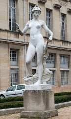 Hôtel de ville - French sculptor