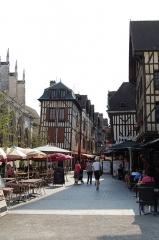 Maison - Català:   Carrer de Troyes.