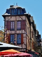 Maison - Deutsch:   Alexandre-Israël-Platz, Troyes, Département Aube, Region Champagne-Ardenne (heute Großer Osten), Frankreich