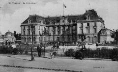Préfecture de l'Aube (Hôtel de Département) - Français:   Troyes, La Préfecture  (R. Mausse, édit. – 31, rue Claude-Huez, Troyes)