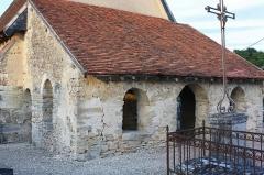 Chapelle Saint-Aventin - Français:   Le porche vu du Nord-Ouest