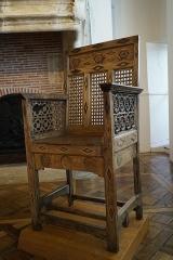 Ancienne abbaye de Clairvaux - Français:   fauteuil dit de sainte Alèthe, saisie révolutionnaire de Clairvaux