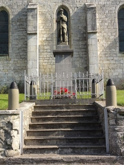 Eglise - English: Aouste (Ardennes) Monument aux morts