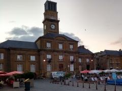 Hôtel de ville - Nederlands:   Stadhuis Charleville-Mezieres op de Place Ducale