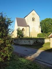 Eglise, cimetière et fontaine Saint-Pierre - Français:   Église Saint-Pierre de Chuffilly-Roche (Ardennes, France)