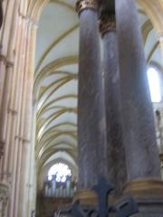 Eglise abbatiale Notre-Dame - Colonnes Maître autel Abbatiale Mouzon Ardennes France