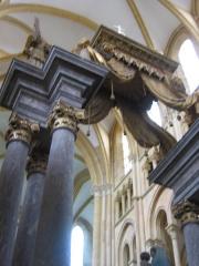 Eglise abbatiale Notre-Dame - Detail Colonnes Maître autel Abbatiale Mouzon Ardennes France