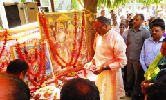 Eglise - English: Bada Mangal is a ritual specific only and only to Lucknow.