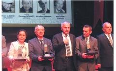 Maisons canoniales - Кыргызча: Кыргыз эл жазуучусу Кеңеш Жусупов