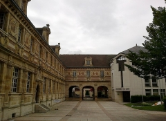 Grand séminaire  ou ancien couvent Sainte-Marie ou Hôtel de Jessaint -  Marne Chalons-En-Champagne Couvent Sainte-Marie Facade Sur La Cour 21062016