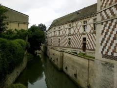 Grand séminaire  ou ancien couvent Sainte-Marie ou Hôtel de Jessaint -  Marne Chalons-En-Champagne Couvent Sainte-Marie Facade Sur Le Mau 21062016