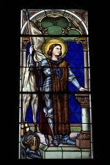 Eglise - Deutsch: Katholische Kirche Notre-Dame-de-l'Assomption in Drosnay im Département Marne (Champagne-Ardenne/Frankreich), Bleiglasfenster, Darstellung: Johanna von Orléans