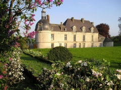 Château - English: Chateau d'Etoges from the park, Hotel, restaurant & spa