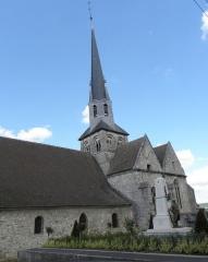 Eglise - Français:   Flanc sud de l\'église Saint-Rémi de Mareuil-le-Port (51).