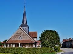 Eglise - Deutsch: Fassade der Kirche St. Nikolaus, Outines, Département Marne, Region Champagne-Ardenne (heute Großer Osten), Frankreich