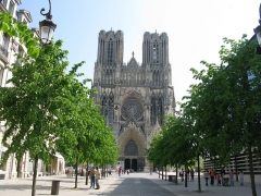 Cathédrale Notre-Dame - This building is classé au titre des Monuments Historiques. It is indexed in the Base Mérimée, a database of architectural heritage maintained by the French Ministry of Culture,under the reference PA00078776 .