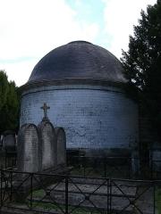 Chapelle située à l'entrée du cimetière du Nord - English: arrière de la chapelle ste-Croix, cimetière du nord de Reims.