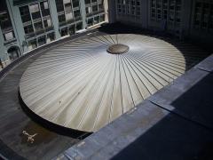 Hôtel des postes - Français:   Toit de la poste Cérès à Reims (Marne, France), vu du toit de l\'immeuble 15 place Royale