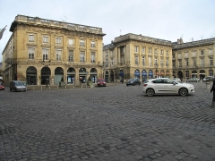 Immeuble - English:   Buildings of the place Royale in Reims (Marne, France).