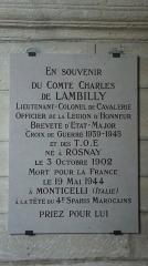 Eglise -  plaque en hommage à Lambilly, mort lors de la 2e guerre mondiale.