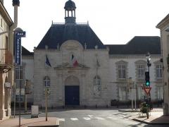 Couvent des Récollets -  Vitry-le-François (51300 - FRANCE): photographies Vitry-le-François (51300 - FRANCE): Hôtel de ville (façade)