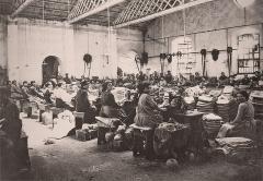 """Enceinte protohistorique dite """"Camp des Louvières"""" - Italiano: Lavoratrici ternane dello Jutificio Centurini"""