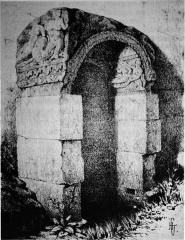Fontaine gallo-romaine - Français:   la fontaine classée.