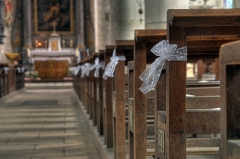 Eglise Saint-Laurent d'Eclaron - English: The church of Éclaron decorated for a wedding.
