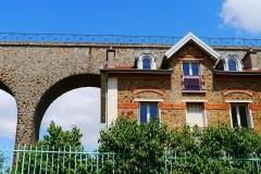 Aqueduc gallo-romain (restes) - English: Arcueil/Cachan, Val-de-Marne, France. Pont-Aqueduc, looking from rue du Chemin-de-Fer.