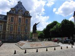Pavillon d'Antoine de Navarre - English: Arthur Dussault square - Charenton-le-pont