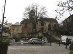 Eglise Saint-Pierre-Saint-Paul - English: A church in Ivry-sur-Seine, France.