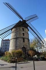 Moulin à vent -  Windmill @ Ivry-sur-Seine