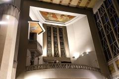 Eglise Sainte-Agnès - Maisons-Alfort - Eglise Sainte Agnès - Orgue  de type Cavallé-Coll, caché derrière la façade en cuivre repoussé du ferronnier Richard Desvallières - Fresques de Paule Ingrand