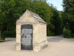 Aqueduc des eaux de Rungis (également sur communes de Fresnes, L'Hay-les-Roses, Cachan, Arcueil, Gentilly et Paris 14) -  Regard N°II de l'aqueduc Médicis
