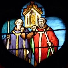 Eglise Notre-Dame-des-Vertus - Deutsch: Bleiglasfenster (Ausschnitt) in der katholischen Pfarrkirche Notre-Dame-des-Vertus in Aubervilliers, Darstellung:Prozession mit einer Reliquie