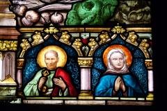 Eglise Notre-Dame-des-Vertus - Deutsch: Bleiglasfenster (Ausschnitt) in der katholischen Pfarrkirche Notre-Dame-des-Vertus in Aubervilliers, Darstellung: zwei Heilige (welche?)