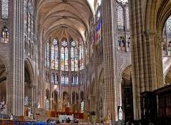 Basilique Saint-Denis -  Cœur de la basilique Saint-Denis (France).