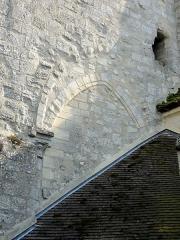 Eglise -  Croisillon nord, arcade bouchée côté ouest.