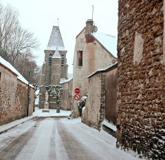Eglise - English: Photo of the main street of Aincourt in winter