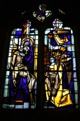 Eglise - English: Photo of the stain glass of Aincourt's church