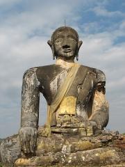 Allée couverte -  Bombed Buddha