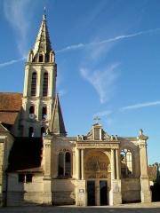 Eglise Saint-Christophe - Français:   Vue partielle depuis le nord.